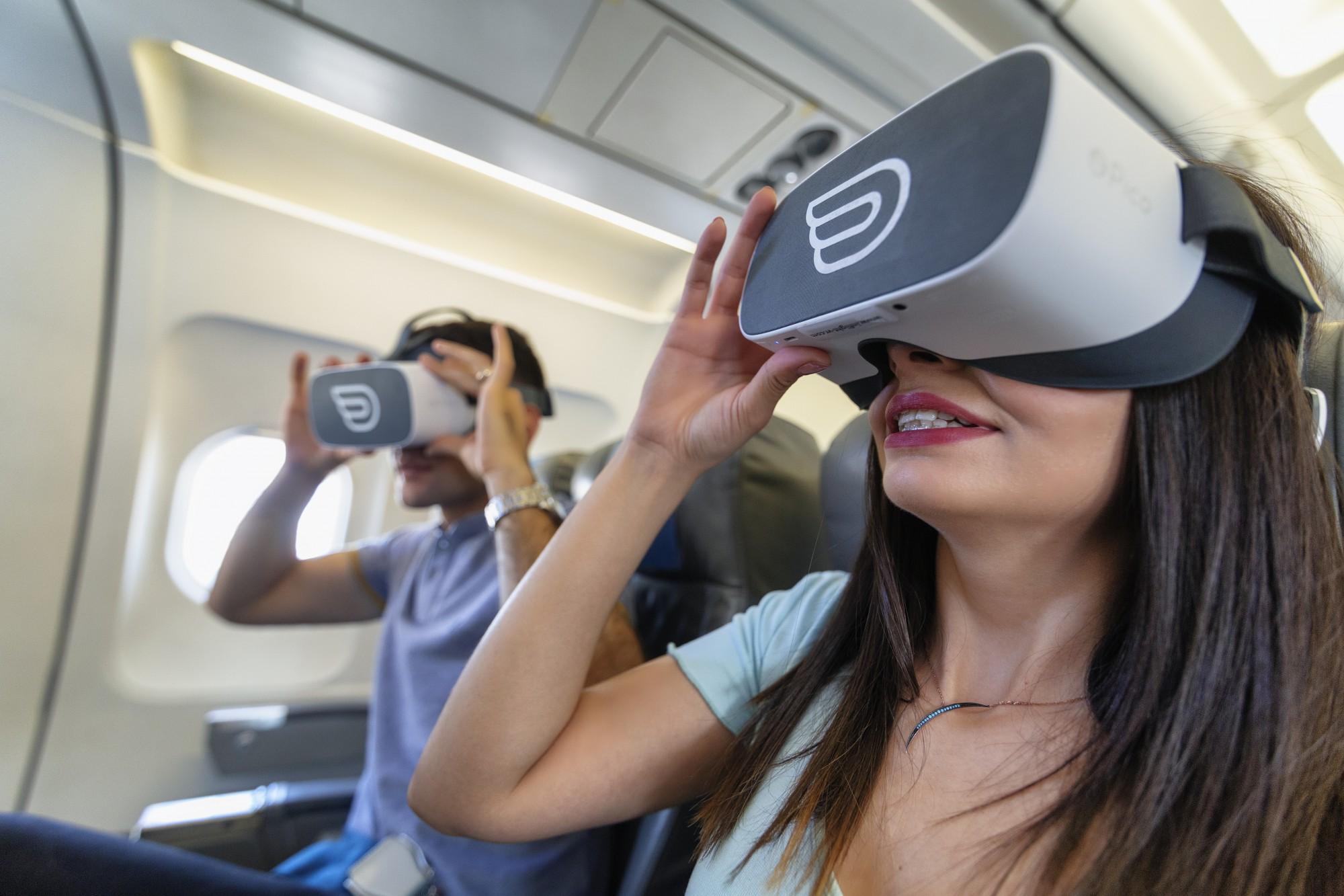 航空業界を救うVR利用。機内VRで高い費用対効果を実感。